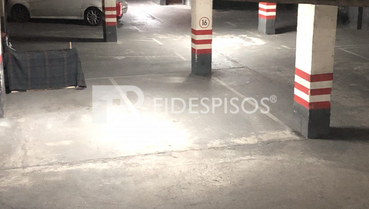 Plaza  coche.